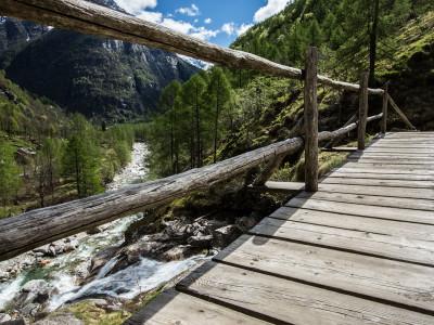 Verzasca-Tal-Foto-Schweiz-Tessin-(109-von-18)